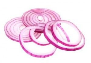 Sliced fresh red onion