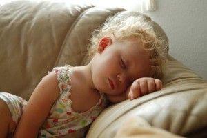 mi hijo duerme como un peluche