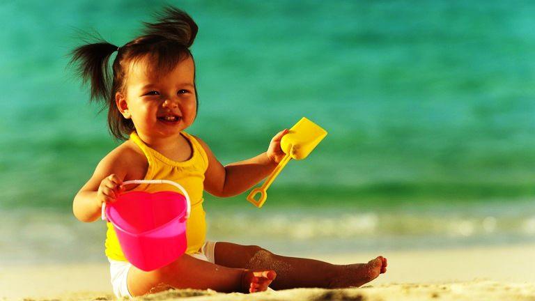 protección solar para bebés  playa