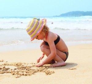 gorrito para el sol, un día de playa