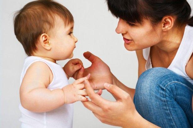 educando bebé 12 meses