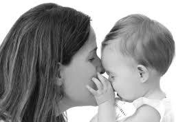 muestras de cariño y nuestro hijo
