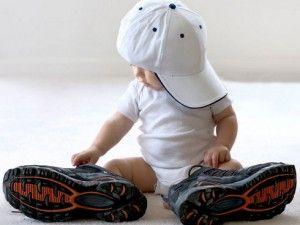 primeros zapatos del niño