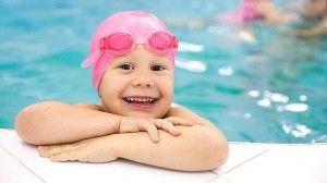 la piscina y el exceso de cloro