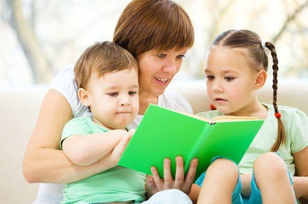 lectura con hija e hijo