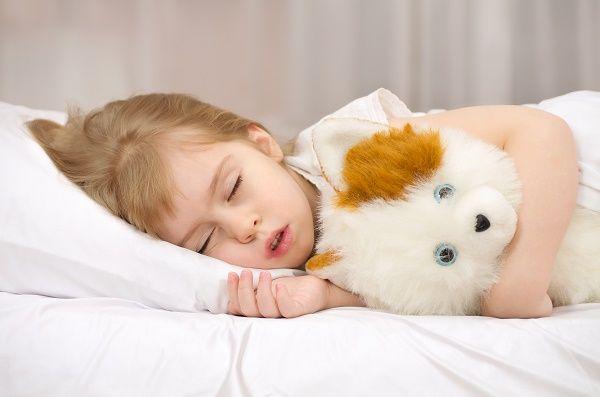 nena durmiendo