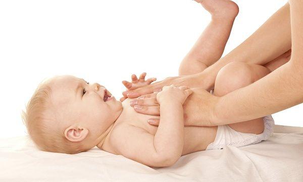 mis-metodos-para-quitarle-los-colicos-al-bebe-1