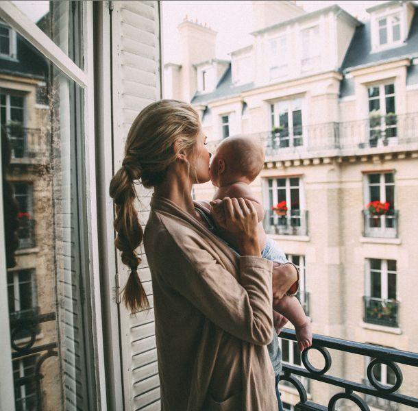 mujeres y materniad
